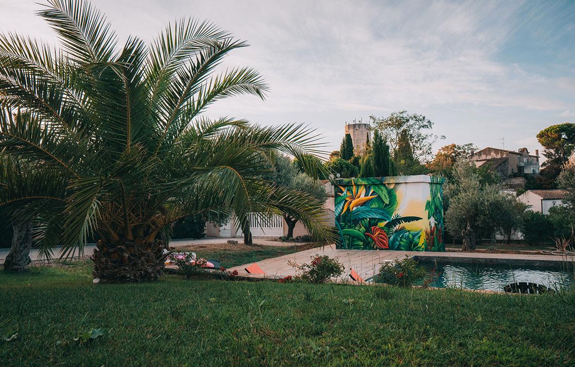deco-graff-pool-house-tropical