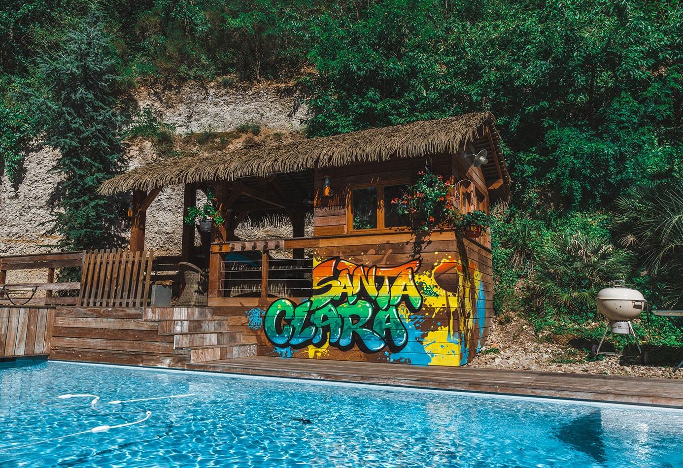 graffiti-pozek-cabanon-piscine